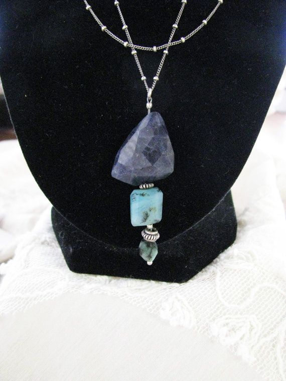 Chunky Faceted Dark Blue Iolite, Peruvian Opal, Rough Emerald Drop Pendant , Bali Silver Necklace - FN2005 op Etsy, $75.00