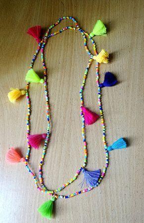 Été Boho multi longueur sautoir / collier gland / Multi couleur collier/52 Multi tasseled, plusieurs pièces de couleur Long cou. Ce poids léger long perles et collier pompon multicolore est un régal parfait pour lété... Porter seule enveloppé doublé enveloppé, même peut être porté comme multi enveloppé bracelet(see picture) Longueur : Approx.52 pouces Couleurs peuvent apparaître légèrement différentes dans les images montrées ici. Frais de port : On utilise aussi la livraison Express, s'i...