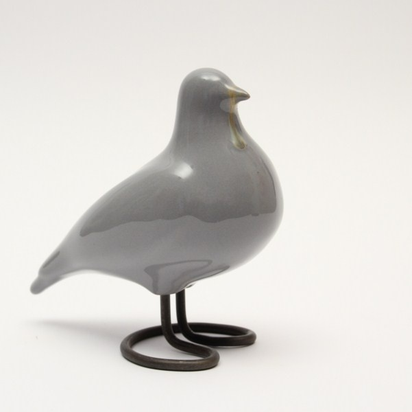 Love these handmade ceramic birds. From http://www.garncarstwo-jehn.pl/
