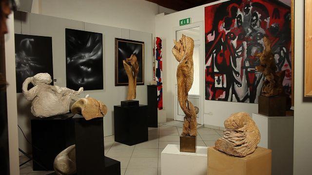 Opere dell'artista contemporaneo Vittorio Amadio - Centro 'Arte On' a Castel di Lama.