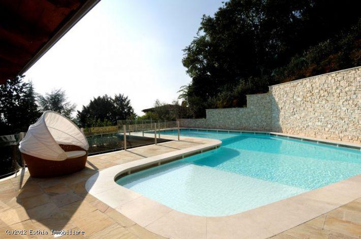Brescia: bellissima villa con piscina privata.