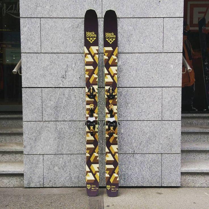 Golden ski for golden times. #blackcrows #anima #markerkingpin