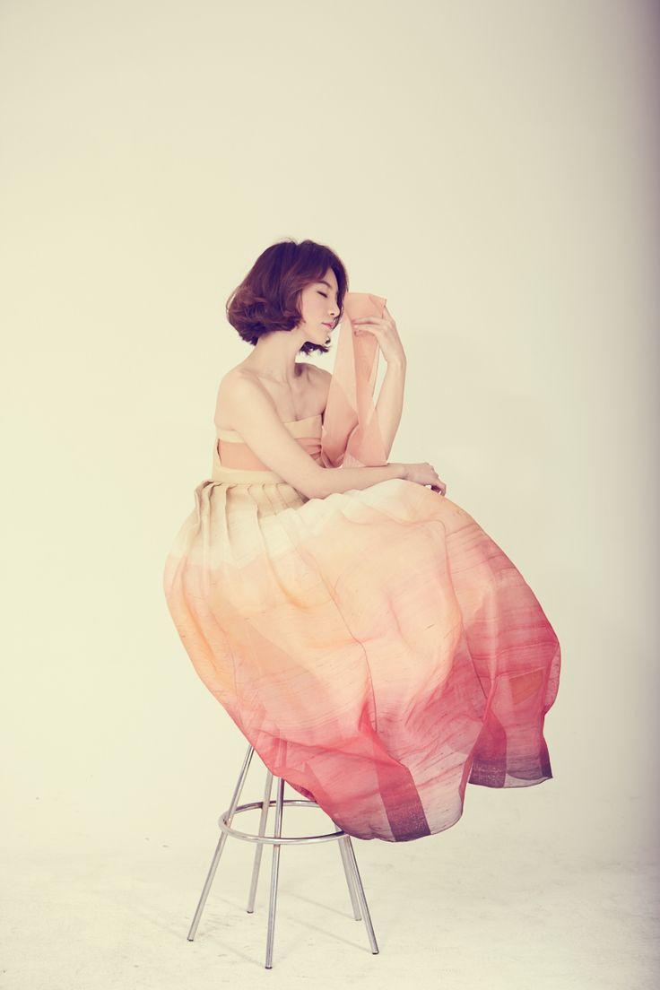 한복.. hanbok..!! korean traditional costume 한복드레스 새화보 준비중에.. 베틀한복의 hanbokdress