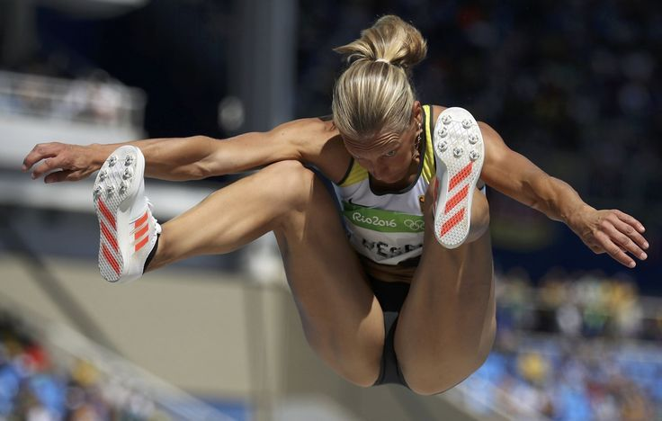 2016 Rio Olympics – Athletics – Women's Heptathlon Long Jump – Groups – Olympic Stadium – Rio de Janeiro, Brazil – 13/08/2016. Jennifer Oeser (GER) of Germany competes (2647×1686)