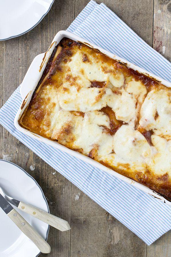 Lasagne is altijd eengoed idee en daar kun je natuurlijk heel veel kanten mee op. Vandaag deel ik een lasagne die net even anders is dan je gewend bent. De BBQ chicken lasagne. Ik ben gek op de combinatie BBQ Chicken. Kip met barbecuesaus. Naast de pizza fungi is het mijn lievelings pizza en daarom... LEES MEER...