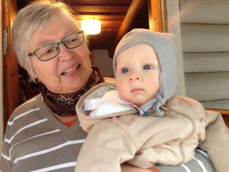 Mami ja Kirppu. Mäkelästä.