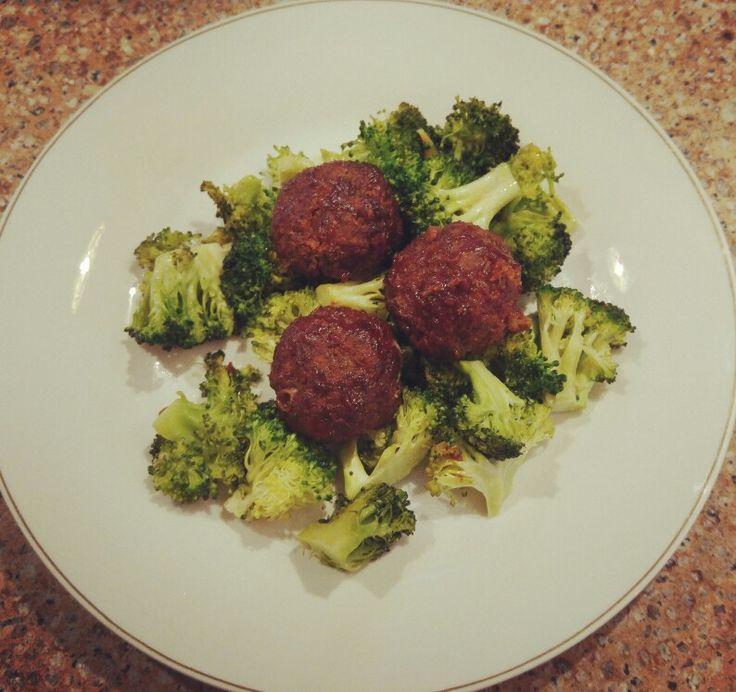 http://bohopelife.com/mongolian-beef-meatballs/ paleo and gluten free!