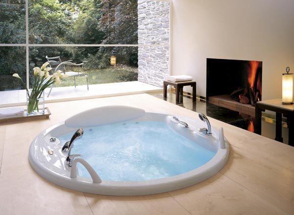 -Jaccuzi & Fireplace! Great Idea-