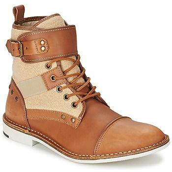 Con estas botas, #Casual #Attitude encuentra el equilibrio entre la elegancia y…