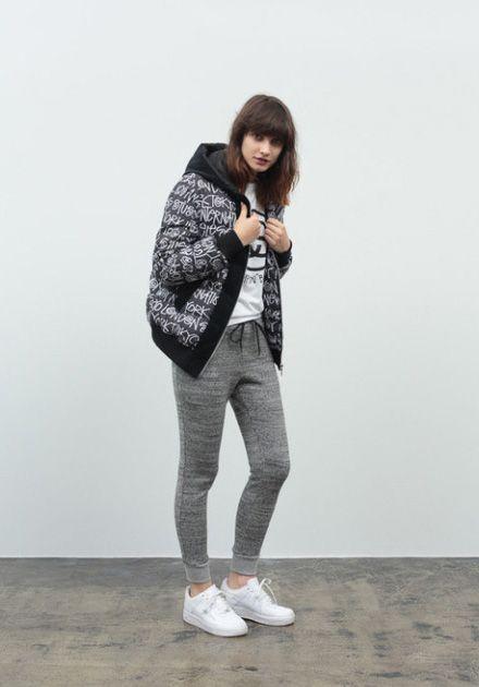 Stussy – fall/winter 2014 / Stussy – podzim/zima 2014 // Mikina s kapucí, kalhoty  #mikina #kapuce #kalhoty #sweatshirt #pants #stussy #womens #womenswear  http://www.urbag.cz/stussy-damska-kolekce-obleceni-pro-podzim-zimu-2014/