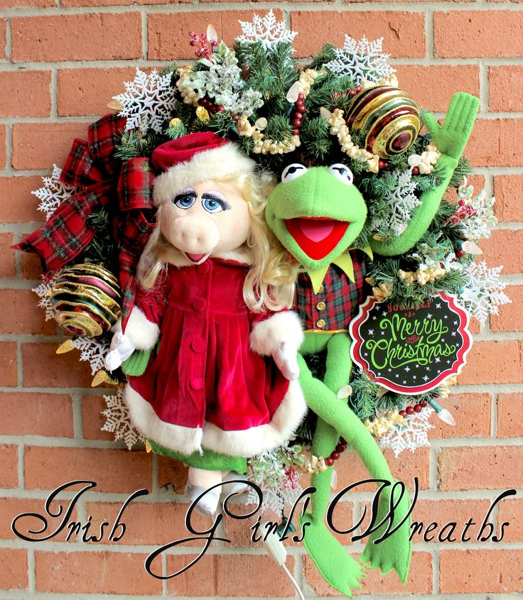 Kermit the Frog & Miss Piggy Merry Little Christmas Wreath, Large pre lit holiday wreath, popcorn and cranberry garland, Muppet Christmas by IrishGirlsWreaths on Etsy