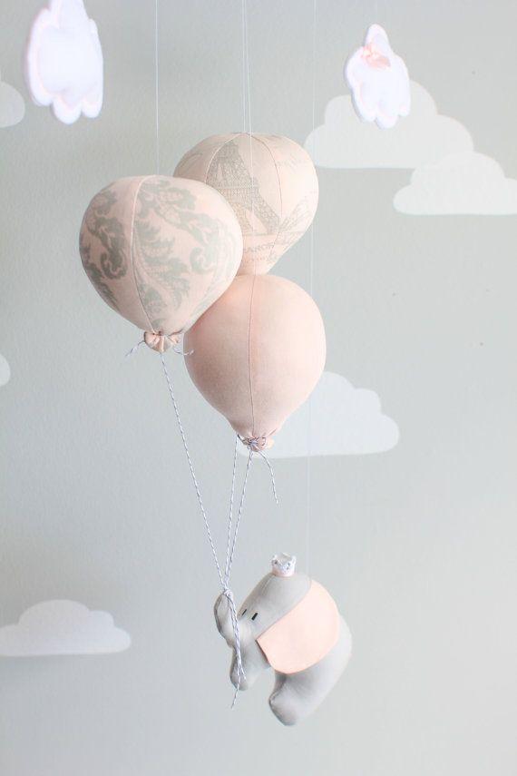 Elefanten Baby Mobile Blush Pink und grau von sunshineandvodka