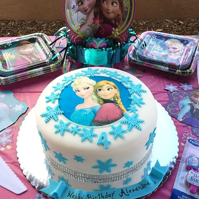 23 best DISNEY FROZEN BIRTHDAY CAKES images on Pinterest