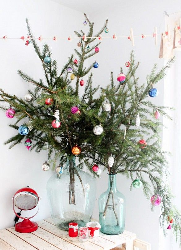 Love these inexpensive ways to decorate for Christmas!