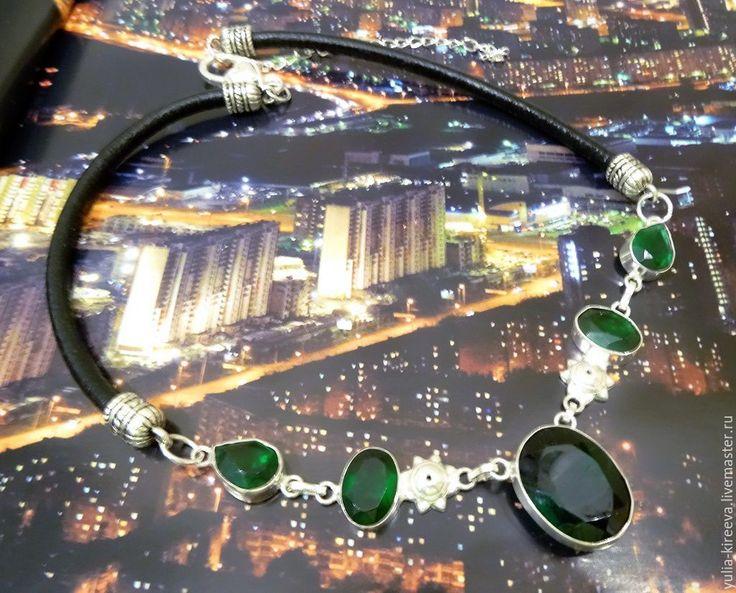 """Купить Зеленый чокер """"Дороти"""" - зеленый, чокер женский, модный аксессуар, стильное украшение #зеленый #чокерженский #модныйаксессуар #стильноеукрашение #зеленоеукрашение #изумрудный #трендсезона #изнатуральныхкамней #небольшоеукрашение #лаконичноеукрашение #девушке_женщине_подруге #подарокнановыйгод #вечернееукрашение #повседневноеукрашение #дресскод #классическийстиль #2017год #аксессуарыручнойработы #всесезонный #green #choker #classicaldecoration #eveningjewelry #silverjewelery…"""