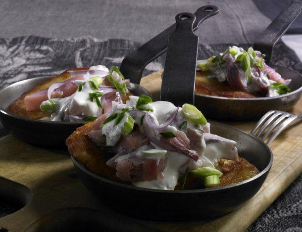 Unser beliebtes Rezept für Kartoffelpuffer mit Matjes und mehr als 55.000 weitere kostenlose Rezepte auf LECKER.de.