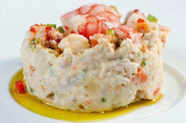 Ensaladilla rusa (Russian Salad) http://yourspanishrecipes.blogspot.com.es/2013/07/ensaladilla-rusa-russian-salad.html