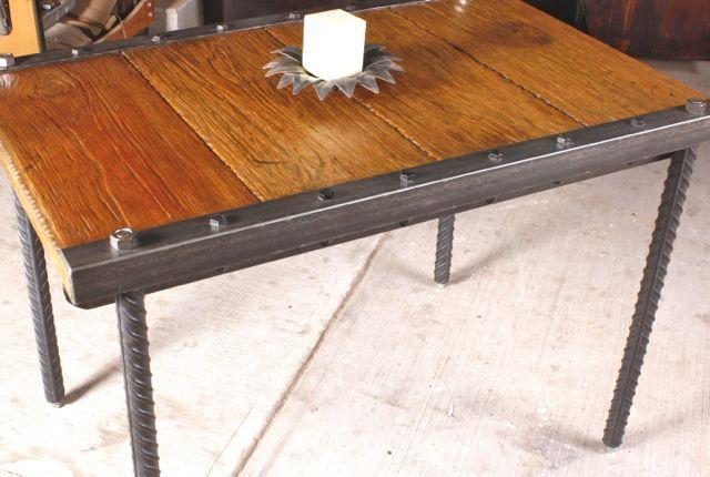 Mesa escritorio de pino ngulos hierro forjado patas de - Mesa de hierro ...