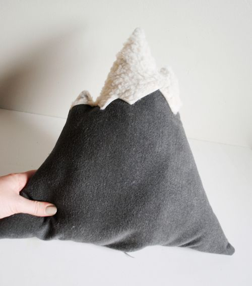 Mountain Pillow DIY-This would be cute with cloud pillows too.