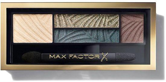 Μεταμορφώστε το look σας με το Max Factor Smokey Eye Drama Kit, με μόλις 4 απλά βήματα! Μία παλέτα σκιών με 3 ζωηρές αποχρώσεις, με έντονα pigments στη σύνθεσή τους, ώστε να αποκτήσετε τέλειο smokey μακιγιάζ. Επιπλέον, μία σκιά για να σχηματίζετε τα φρύδια σας και να δώσετε ένταση στο β