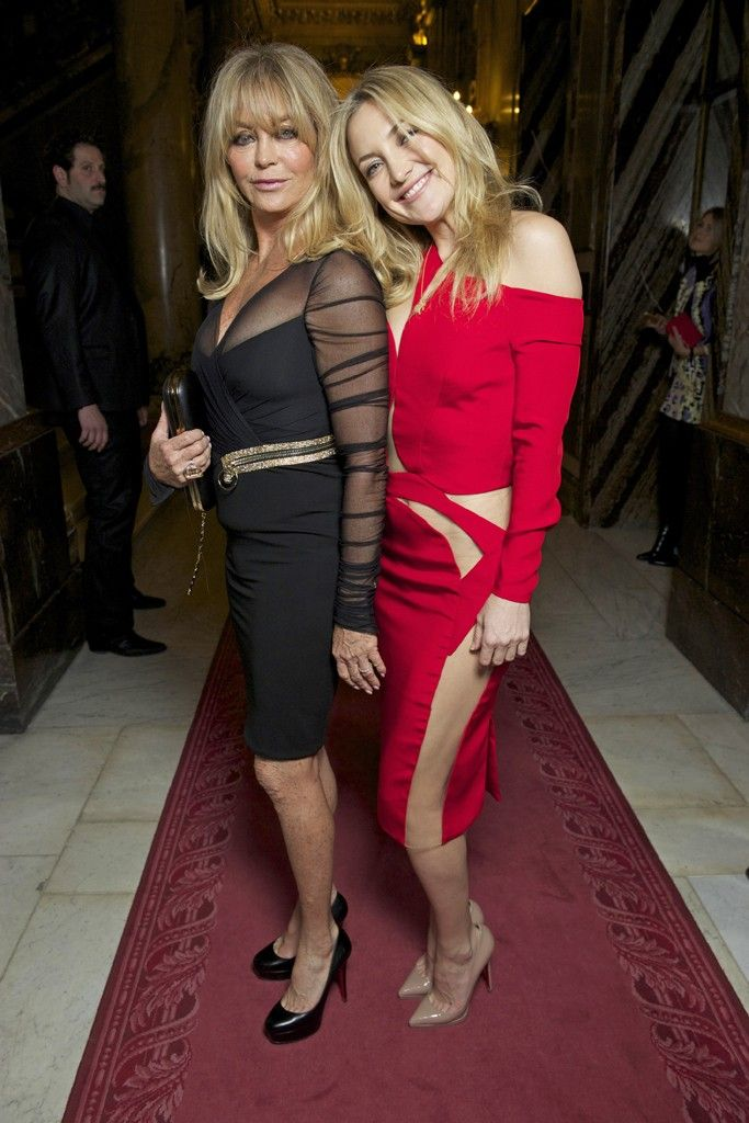 Kate Hudson and Goldie Hawn Front Row at Atelier Versace  [Photo by Stéphane Feugère]