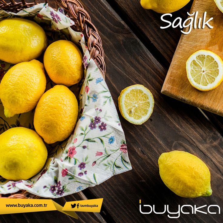 Mutfağın olmazsa olmazı limonun hem güzelliğinize hem sağlığınıza birçok faydası olduğunu biliyor muydunuz?  Bağırsakları temizleyip, beyin sağlığını ve göz sağlığını korur, anti bakteriyeldir, cilde parlaklık verir. #BuyakaBiBaşka #Sağlık #Öneri #Limon #BuyakaAvm