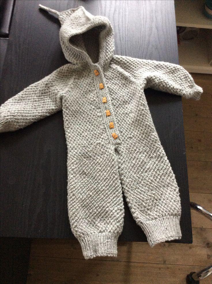 Strikket køredragt til kommende barnebarn