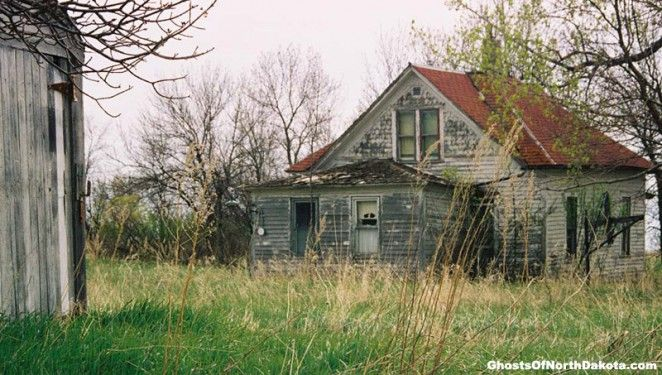 Abandoned Structures: The Stages of Ruin : GhostsofNorthDakota.com