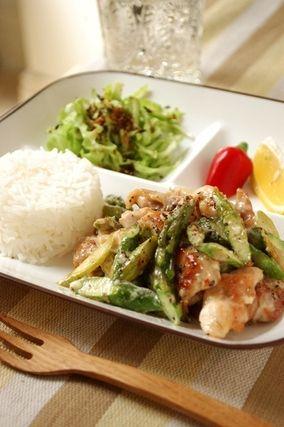 カフェ風♪アスパラと鶏の黒マヨコショウ炒め|レシピブログ