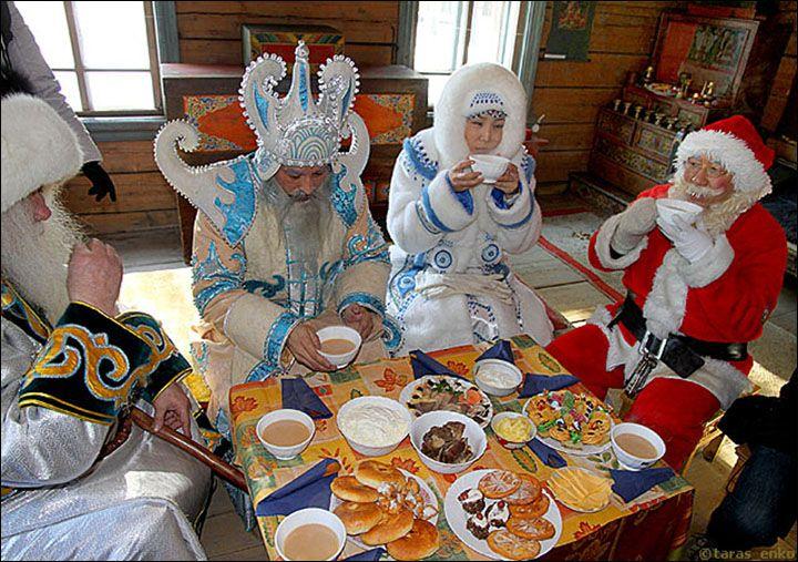 Sibirya 'Noel Baba' bir başka Buryatya Budist cumhuriyet görülen Sagaan Ubugul ya da beyaz Elder olduğunu. O beyaz bir sakalı var, ve bir ejderha başlı bir sopa taşır. Yeni Yıl Ocak ayı sonlarında veya erken Şubat kameri takvime göre kutlanan beri görev diğerlerinden daha sonra düşer. O Baykal Gölü için çocuklar ve yetişkinler davet - dünyanın en eski gölü - ve o ihsan hediyeler hak sağlık, sevgi, aile ve zenginlik vardır. Çocuklara o mumlar ve tatlılar verir. Kendi gibi - - çatılarının…