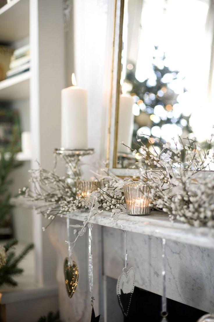 29 best Christmas living room ideas images on Pinterest | Christmas ...