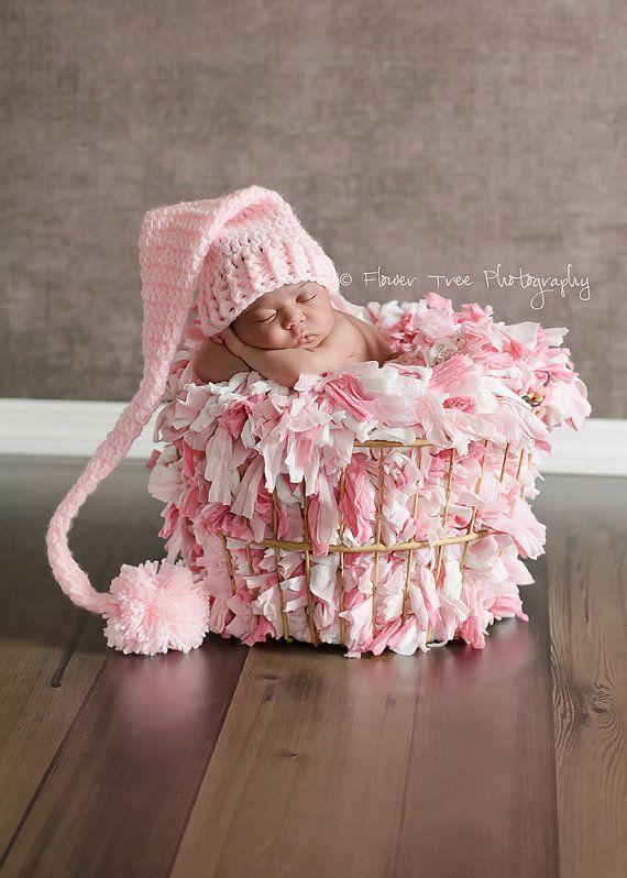 Crochet Baby Hats Chapeau de lutin pour nouveau-né nouveau-né par VioletsPlayg... Check more at http://www.newbornbabystuff.com/crochet-baby-hats-chapeau-de-lutin-pour-nouveau-ne-nouveau-ne-par-violetsplayg/