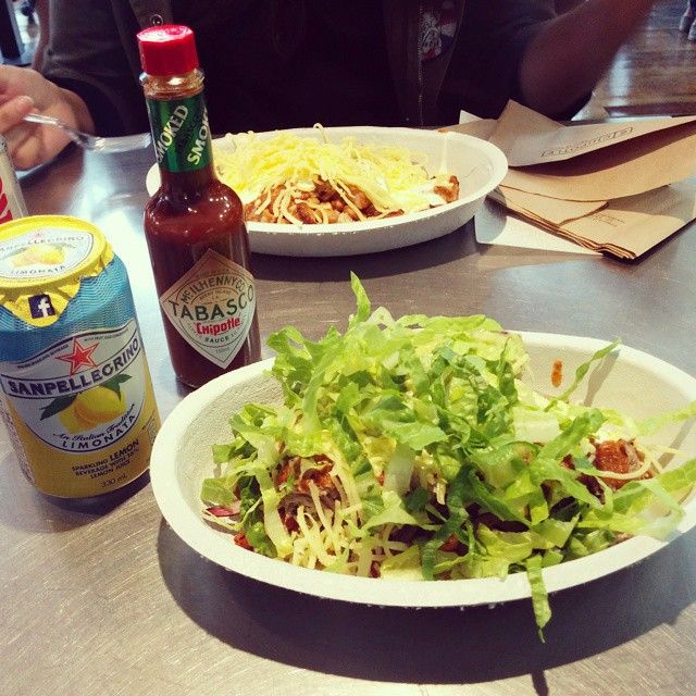 A fresh #burrito bowl in #London! A #healthy and delicious meal is always a wonderful option!