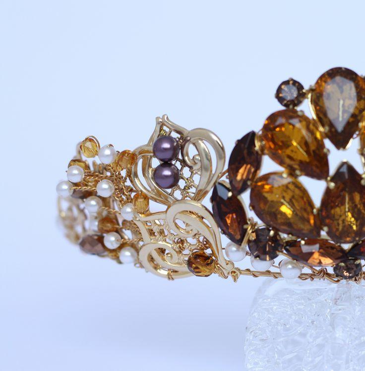 Detail of Georgiana tiara, by Samantha Walden