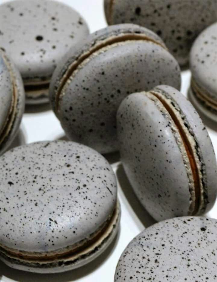 pebbles macarons with passion fruit