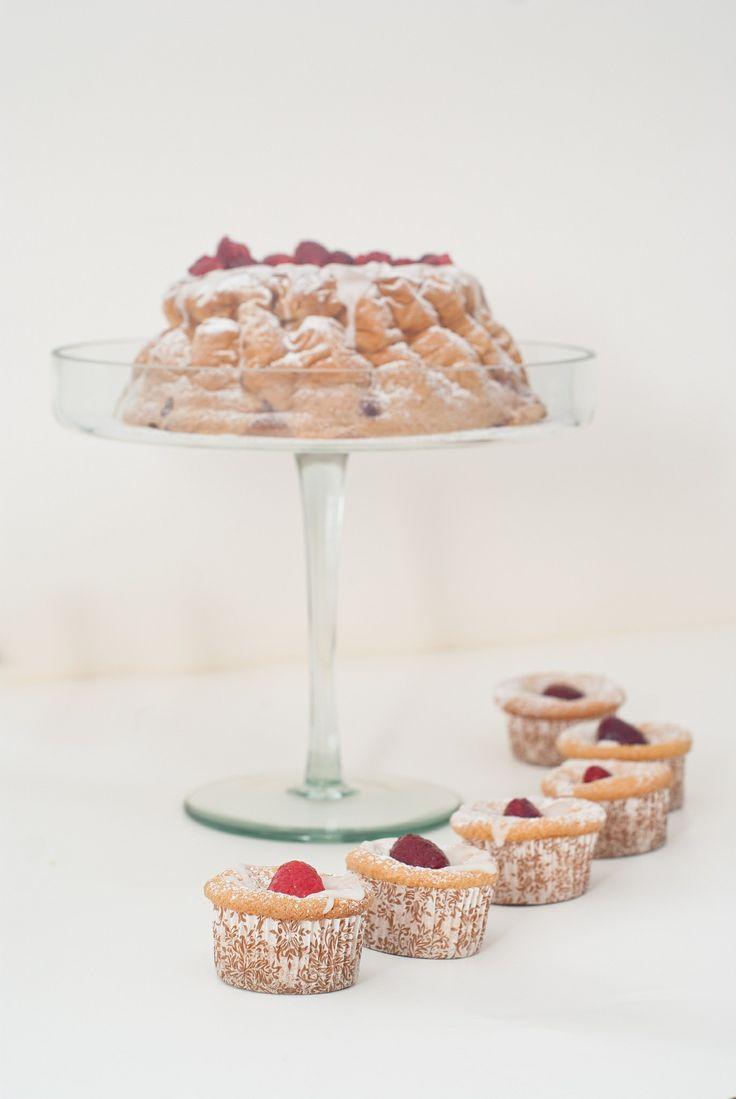 Raspberry cake and cupcakes