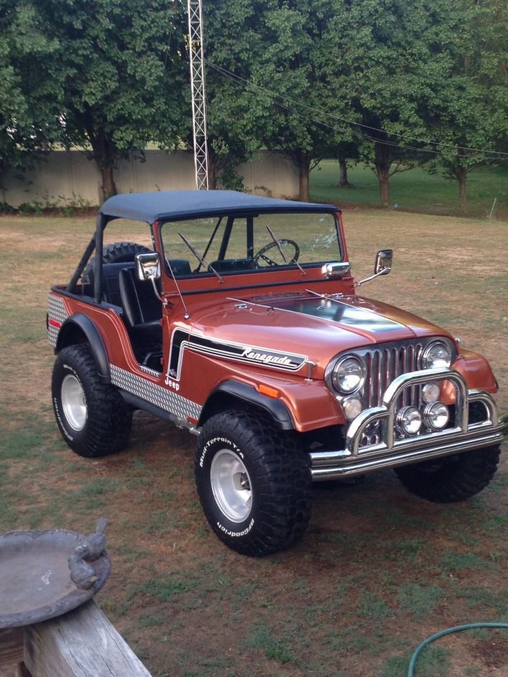 1974 Jeep CJ5 304 3spd- I had a blue 74 CJ5 love those short bodies...