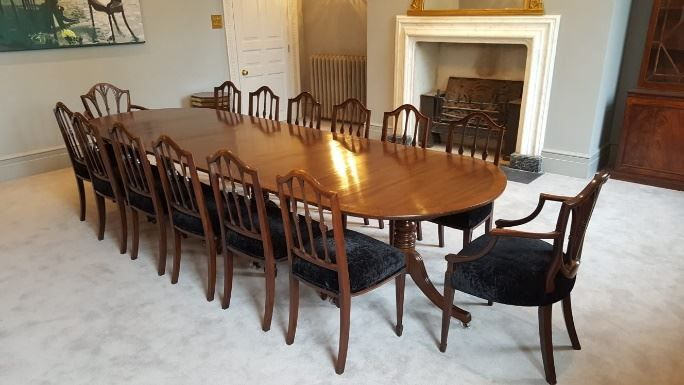 Regency Dining Table And Chairs En 2020 Table Salle A Manger Chaises De Table A Manger Chaise De Salle A Manger