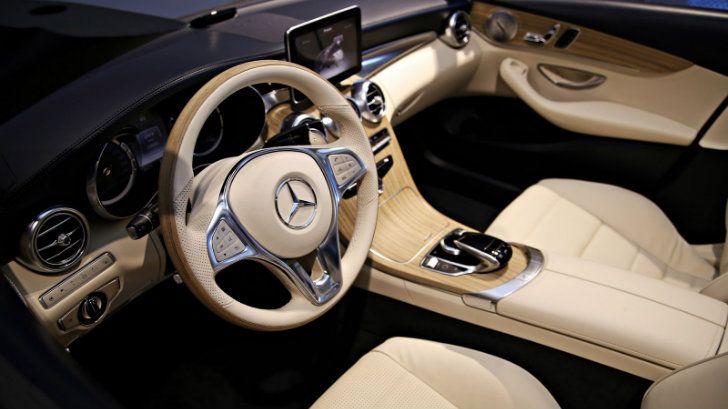 Mercedes-Benz C-Class Cabriolet A205 Interior Unveiled [Photo Gallery] http://www.autoevolution.com/news/mercedes-benz-c-class-cabriolet-a205-interior-unveiled-photo-gallery-84311.html