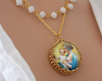 Rosary necklace chain with cabochon crown Mary and Jesus  #holy #spirit #art #icon #jesus #mary #virgin #vierge #marie #jésus #christ #collier #bijoux #ex #voto #exvoto #fleurs #rose #roses #médaillon #medallion #necklace #jewelry #bijou #bijoux #religieux #religious #saint #our #lady #notre #dame #icone #icône #chapelet #croix #cross #rosary #rosaire #glass #virgin #mary #jesus #lourdes #fatima #pearl #gold #pearls