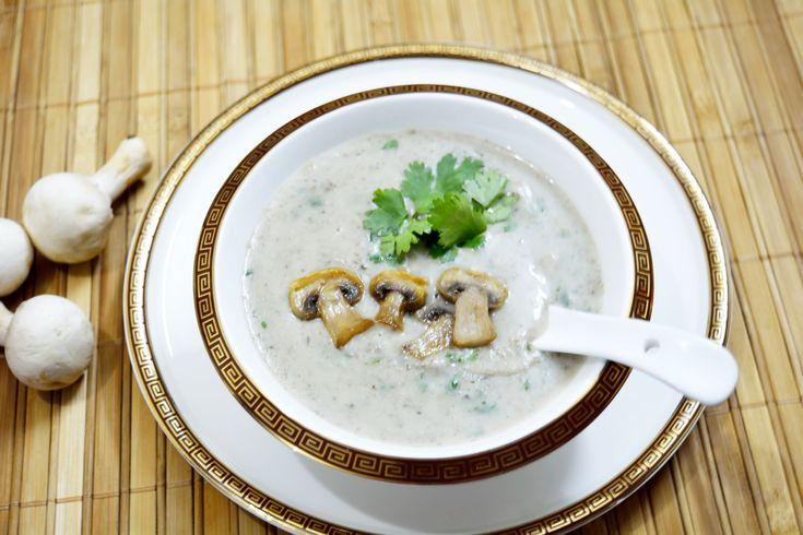 Cream of Mushroom/ Mushroom Soup A recipe for mushroom lovers #easysoup #tasty #dinnertime #ButtonMushroom #healthy  Recipe at: www.annapurnaz.in