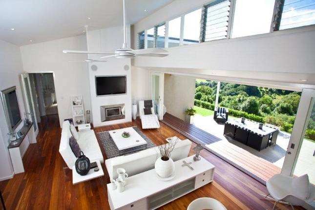 High ceilings, lots of white