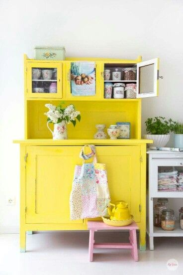 In Vetrina Cabinet