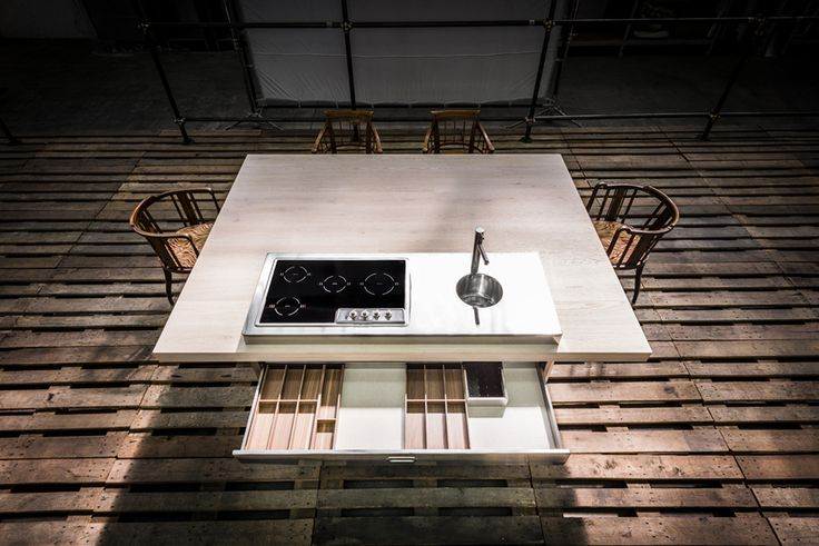 Alpes Inox - CONVIVIO KITCHEN UNIT – WOODEN TABLE 190X250 - A large table with countertop hob-bowl unit all in one.