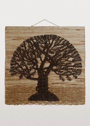 This tree of life wall hanging will enliven your favourite room with its rich earth tones and natural texture.