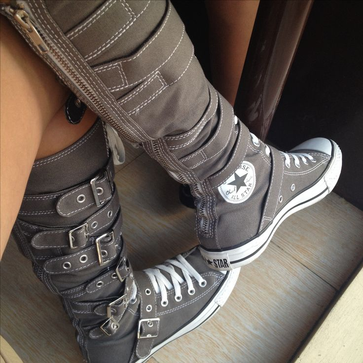 Knee-high buckled Converse All-Star Chuck Taylor :)