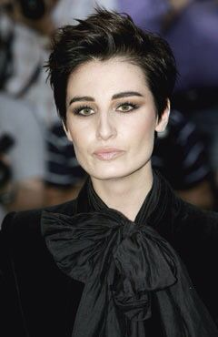 Miss Erin O'Connor. Hair & makeup definitely dramatic
