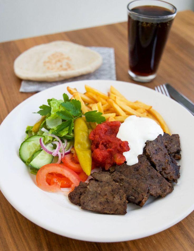 änk att få njuta av hemmagjord kebab utan massa konstigheter i, smaken är fantastisk. Jag ska vara lite fräck och säga att det smakar mycket godare än