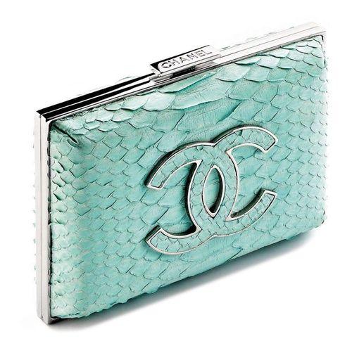 Aqua Chanel clutch   ♥ amazing aqua ♥)