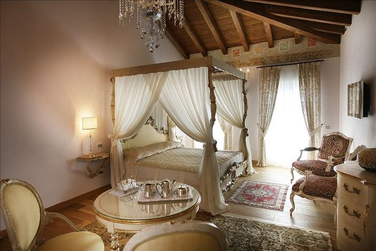 How i envision juliet 39 s room romeo and juliet locations furniture pinterest - Chambre de princesse adulte ...
